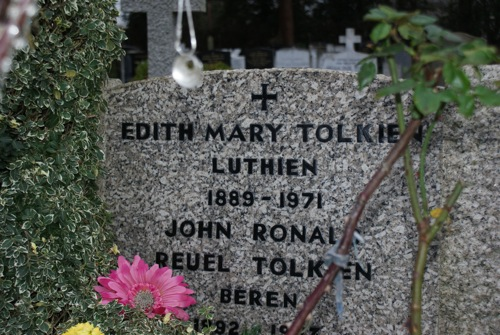 A Visit To Tolkien's Grave