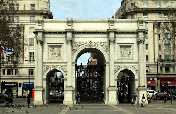 Marble_Arch_in_London,_spring_2013_(4)