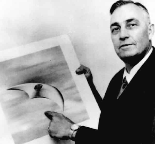 Kenneth Arnold, with a depiction of one of the objects he saw.